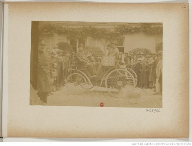 photo 12 n°28 Les fils de Peugeot frères pétrole 4 places
